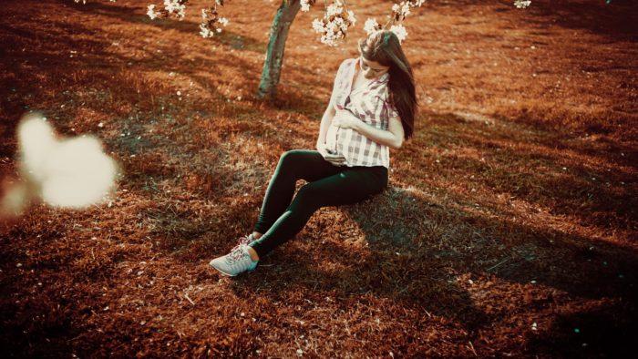 桜の下の妊婦