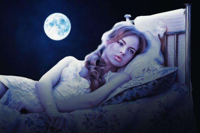 月夜の女性